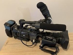 JVC GY HM700U with Fuji 17X lens, battery charger and battery